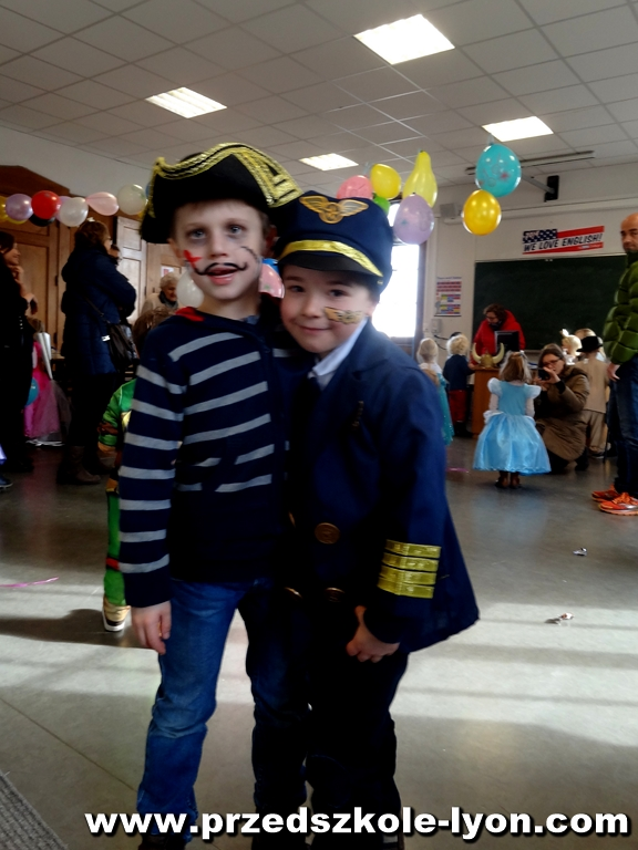 ecole-maternelle-polonaise-carnaval-2016-2017_103