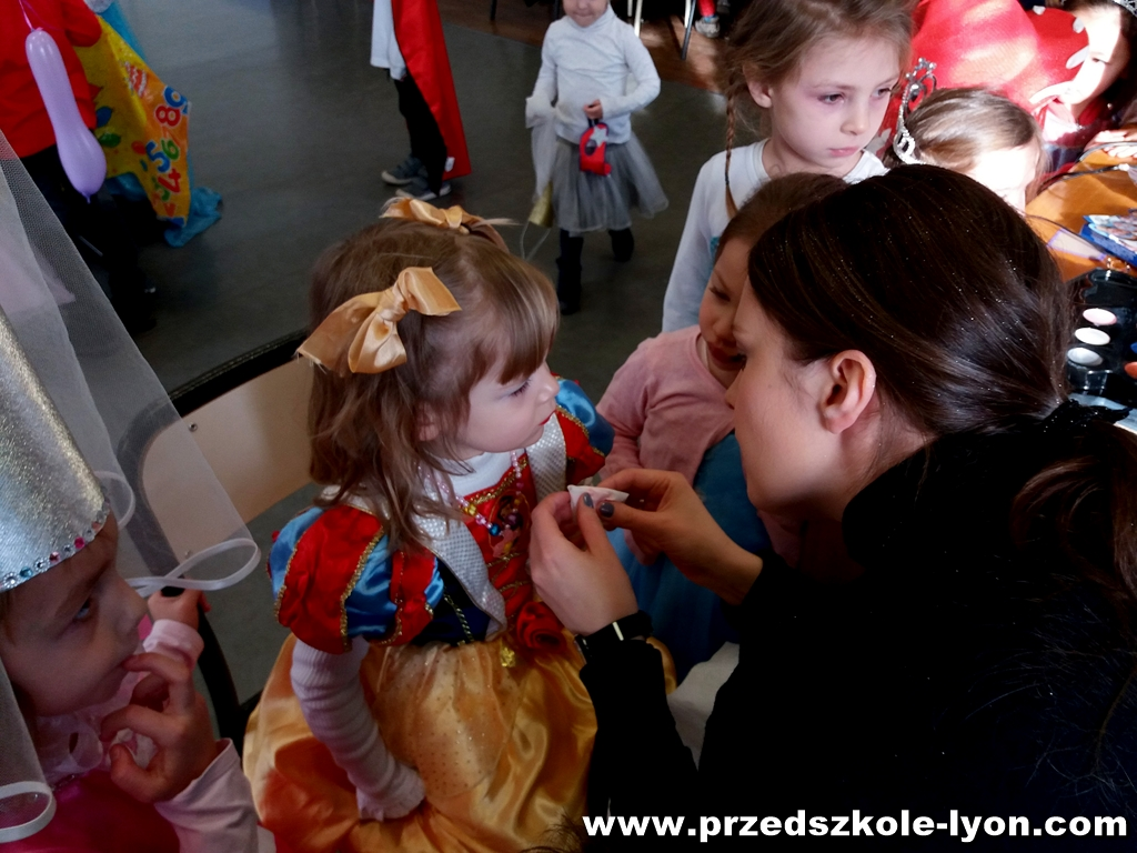 ecole-maternelle-polonaise-carnaval-2016-2017_11