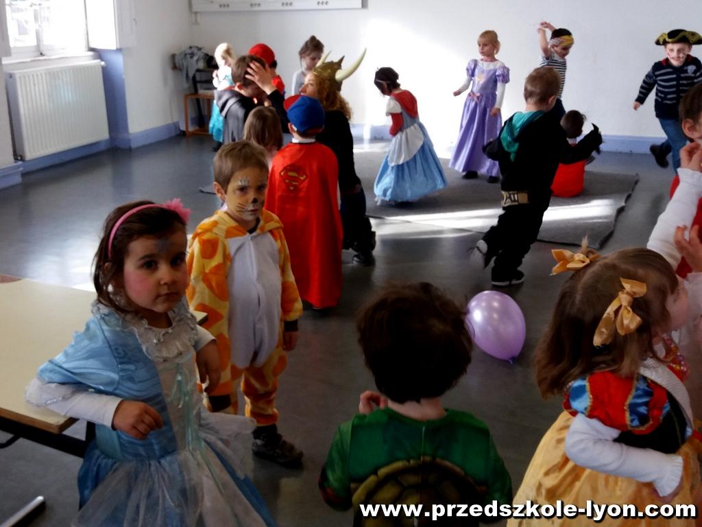 ecole-maternelle-polonaise-carnaval-2016-2017_44