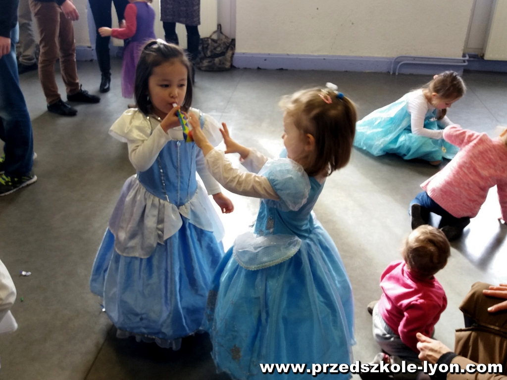 ecole-maternelle-polonaise-carnaval-2016-2017_67