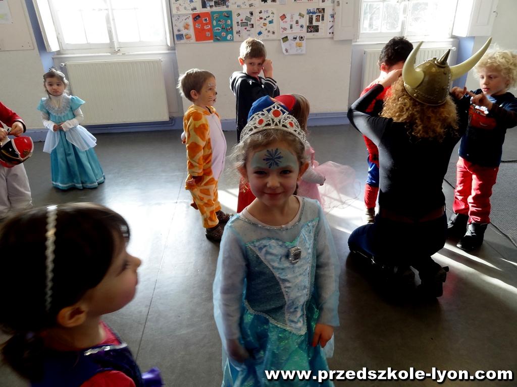 ecole-maternelle-polonaise-carnaval-2016-2017_76