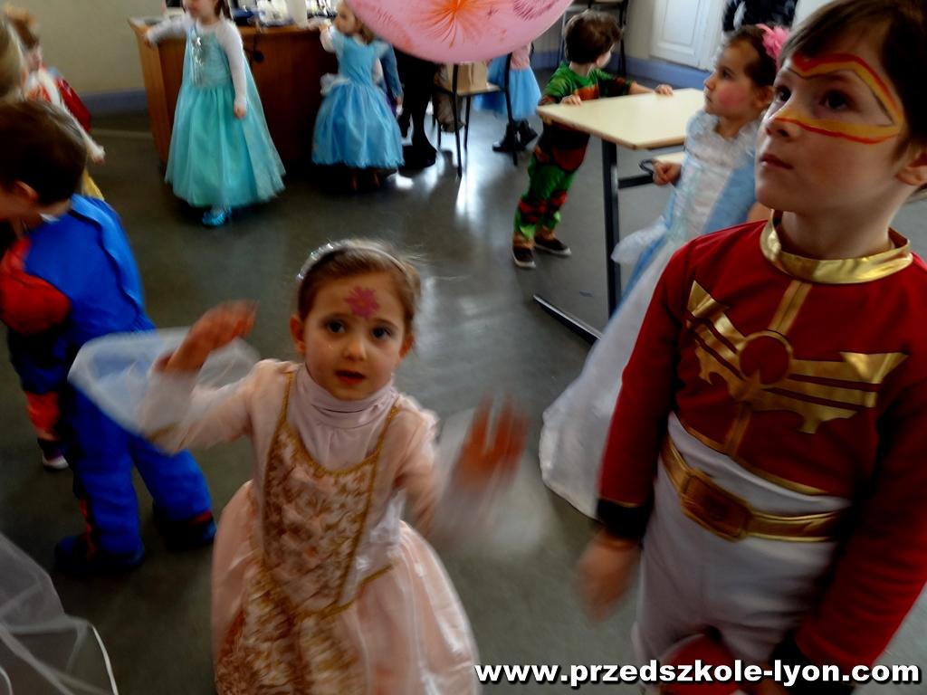 ecole-maternelle-polonaise-carnaval-2016-2017_77