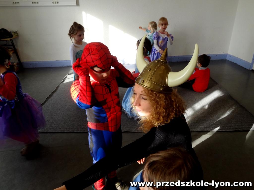 ecole-maternelle-polonaise-carnaval-2016-2017_78
