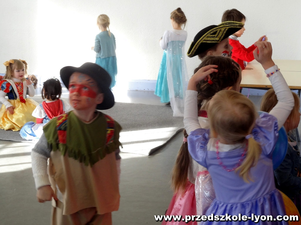 ecole-maternelle-polonaise-carnaval-2016-2017_89