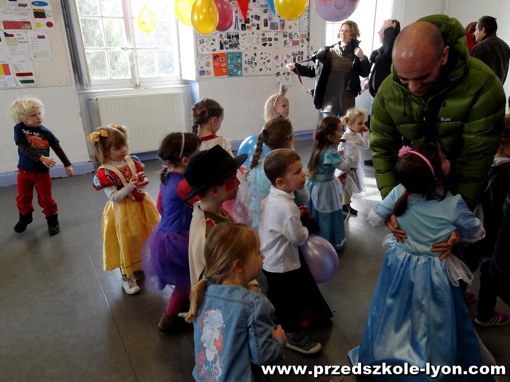 ecole-maternelle-polonaise-carnaval-2016-2017_95